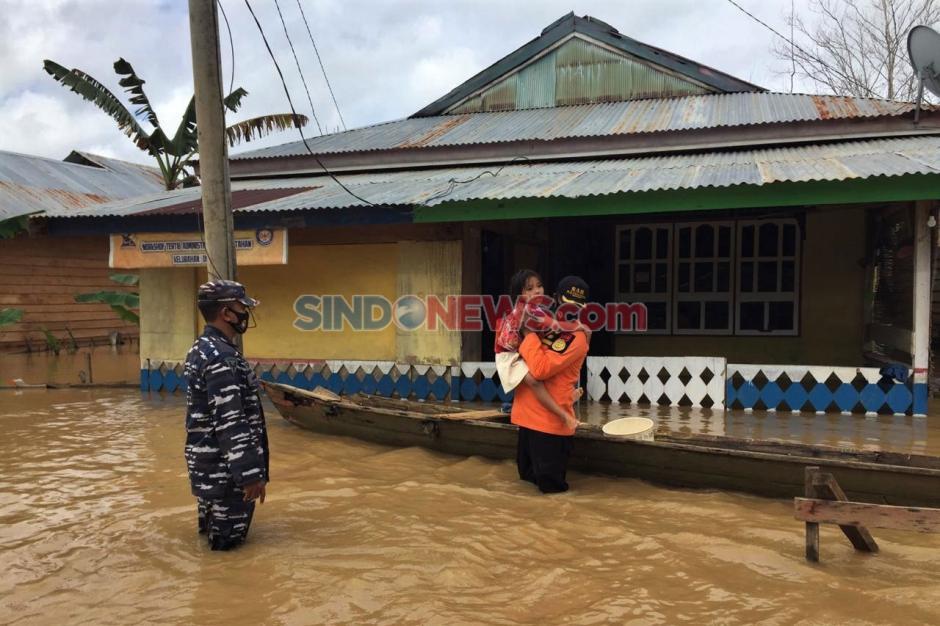 Banjir Sebabkan Jalan Trans Sulawesi Putus di Konawe Utara-0
