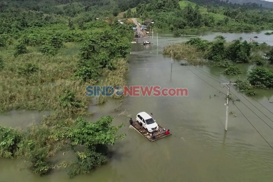 Banjir Sebabkan Jalan Trans Sulawesi Putus di Konawe Utara-1
