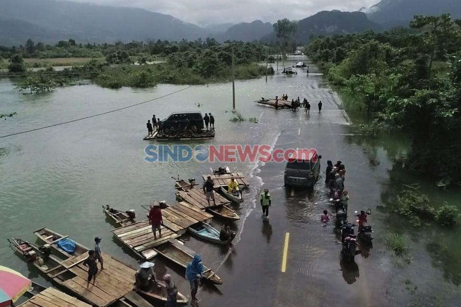 Banjir Sebabkan Jalan Trans Sulawesi Putus di Konawe Utara-2