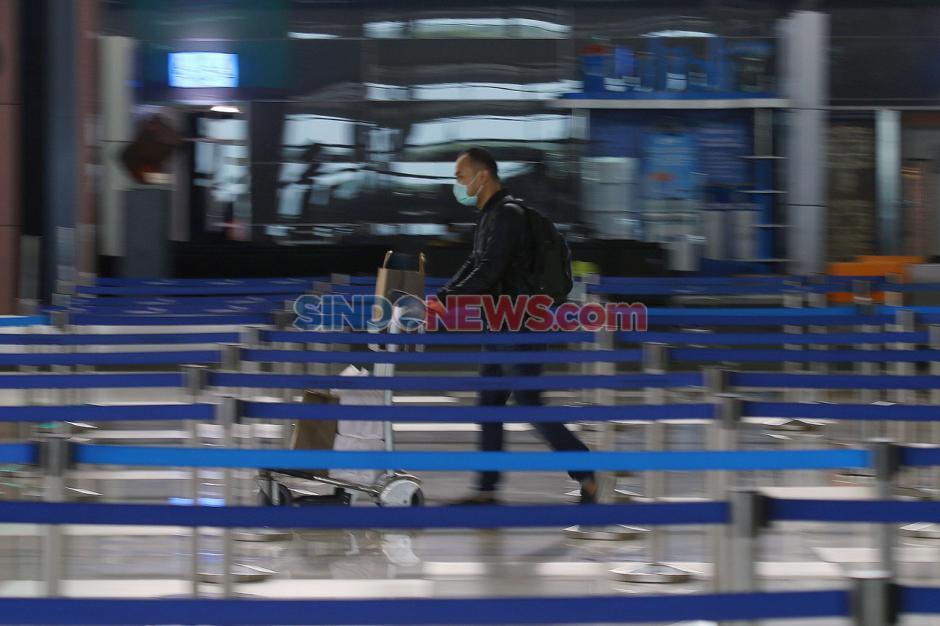 Persyaratan Masih Ketat, Penerbangan di Bandara Internasional Soetta Sepi-3