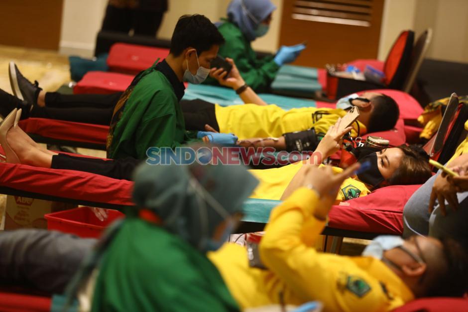 Bantu PMI Penuhi Stok, PP Angkatan Muda Partai Golkar Gelar Donoh Darah-4