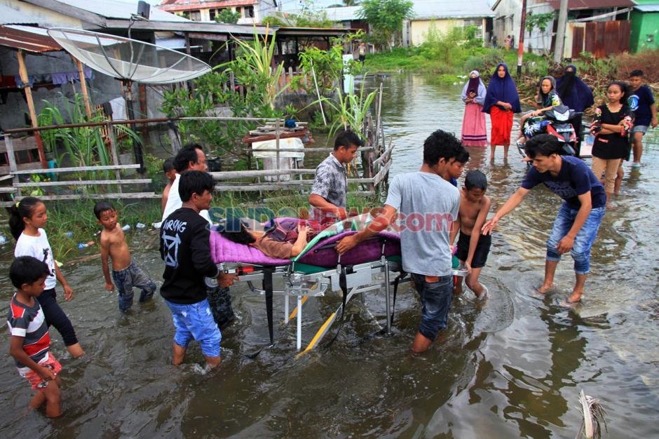 Banjir Rob Rendam Ratusan Rumah di Aceh Barat-1