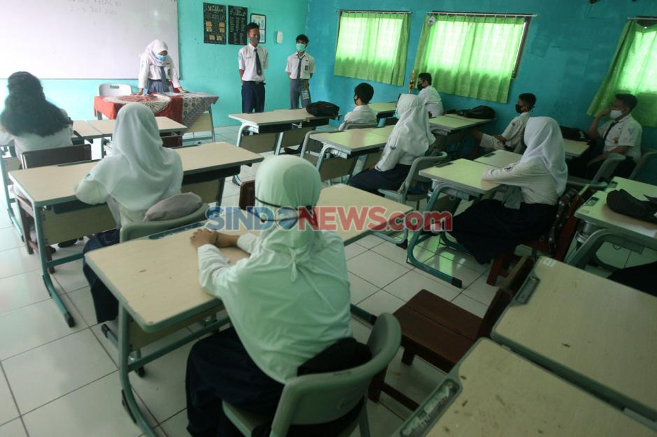 Terapkan Protokol Covid-19, SMA 16 Bekasi Laksanakan MOS Siswa Baru-1