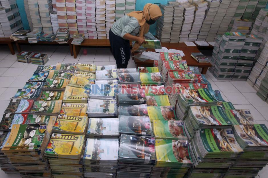 Peminjaman Buku Pelajaran Sekolah Tahun Ajaran Baru di Depok-2