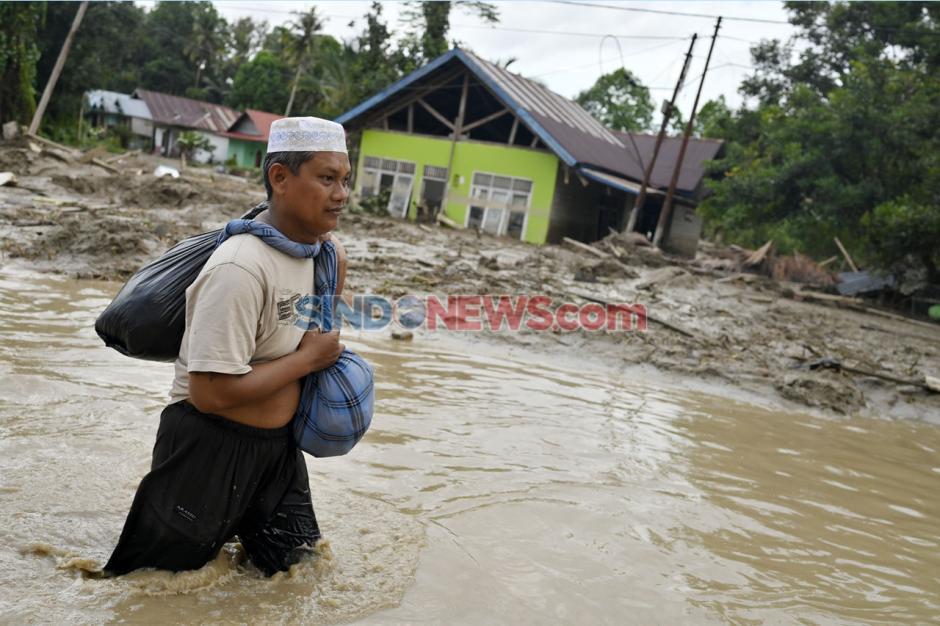 Ratusan Rumah Tertimbun Lumpur Akibat Banjir Bandang Masamba di Luwu Utara-5