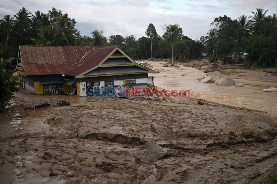 Ratusan Rumah Tertimbun Lumpur Akibat Banjir Bandang Masamba di Luwu Utara-4