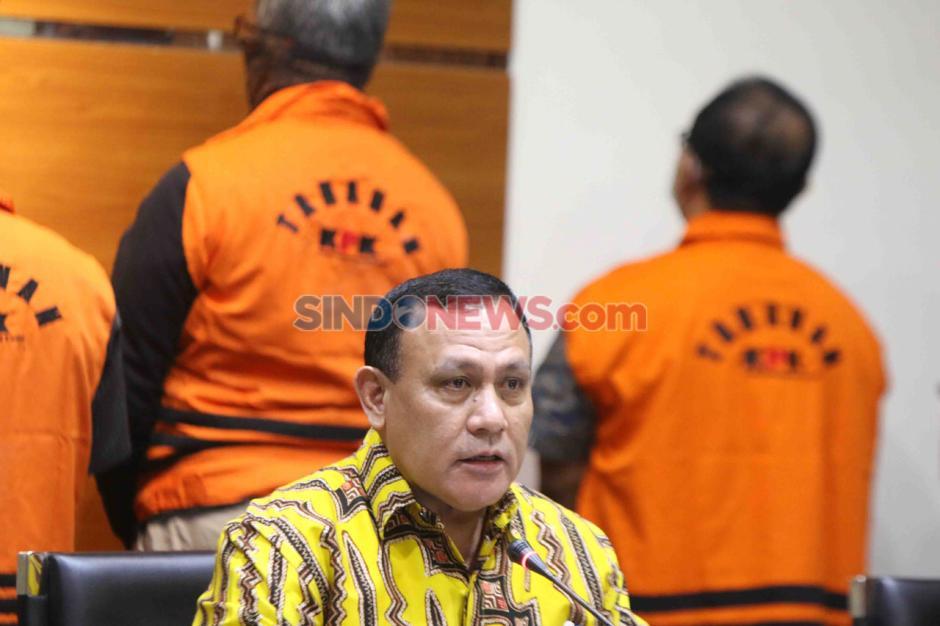 KPK Tahan Lima Tersangka Korupsi Proyek Fiktif Waskita Karya-0