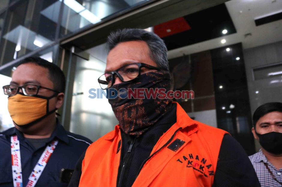 KPK Tahan Lima Tersangka Korupsi Proyek Fiktif Waskita Karya-2