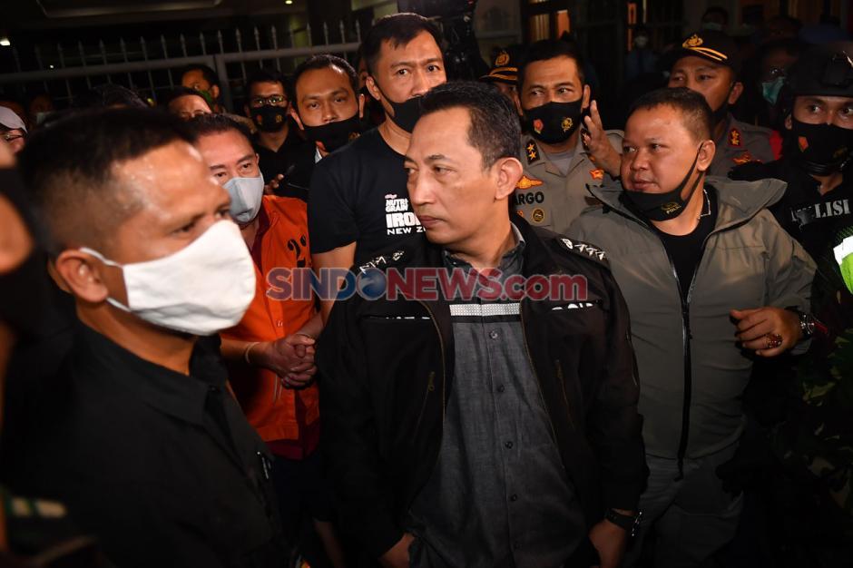 Ditangkap di Malaysia, Djoko Tjandra Tiba di Bandara Halim Perdanakusuma-6