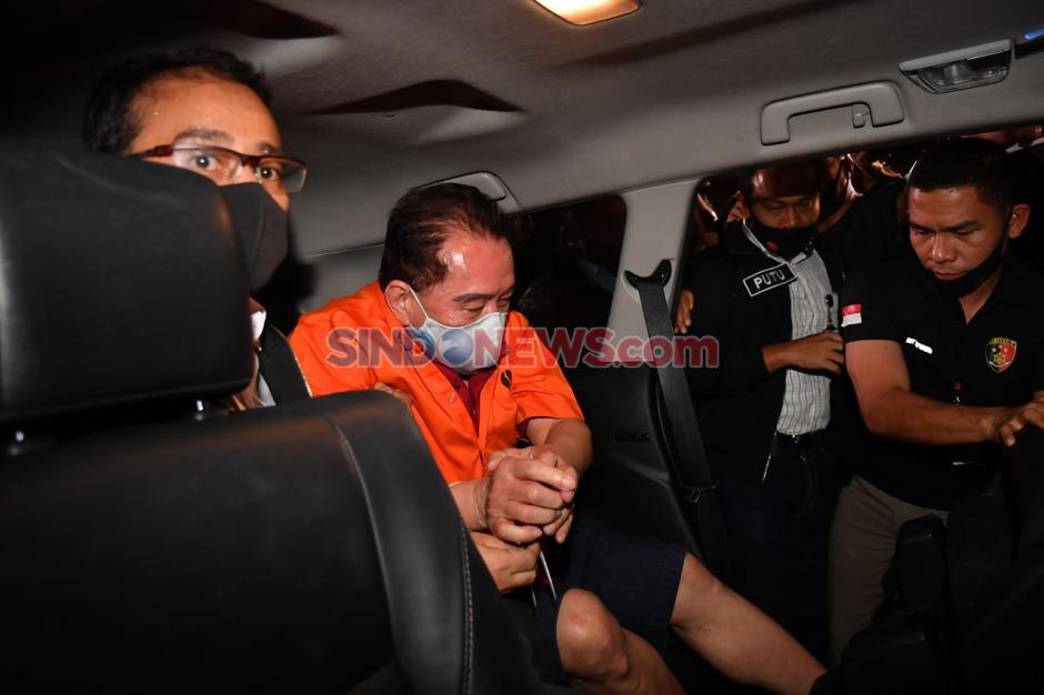 Ditangkap di Malaysia, Djoko Tjandra Tiba di Bandara Halim Perdanakusuma-5