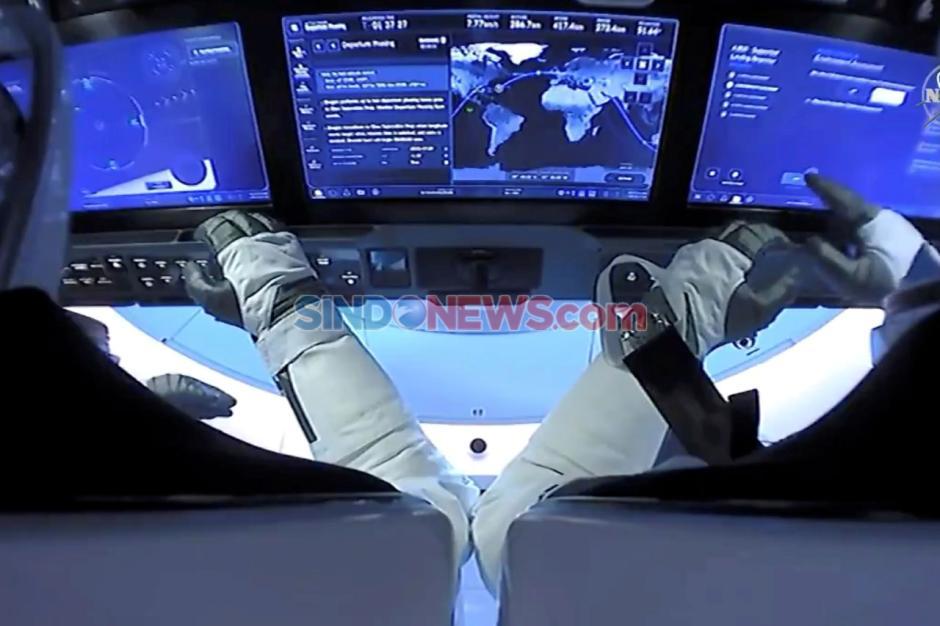Kapsul SpaceX Mendarat di Bumi dalam Pendaratan Lepas Pantai Pertama Setelah 45 Tahun-1
