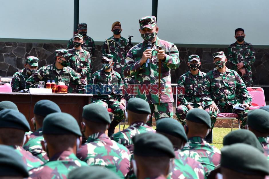 Pangdam IV/Diponegoro Cek Kesiapan Prajurit Yonif Raider 400/BR Jelang Tugas ke Perbatasan RI-PNG-1