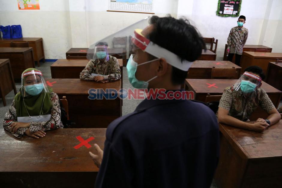 SMP 17 Agustus 1945 Surabaya Gelar Simulasi Protokol Kesehatan Sekolah-6