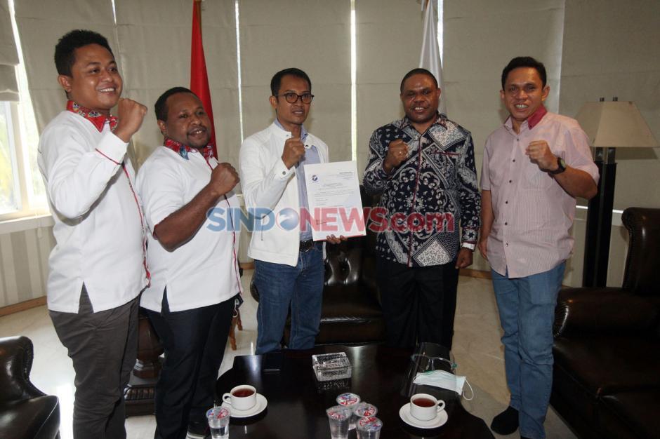 Perindo Berikan Dukungan Kepada Balon Bupati Manokwari Hermus Indou-0