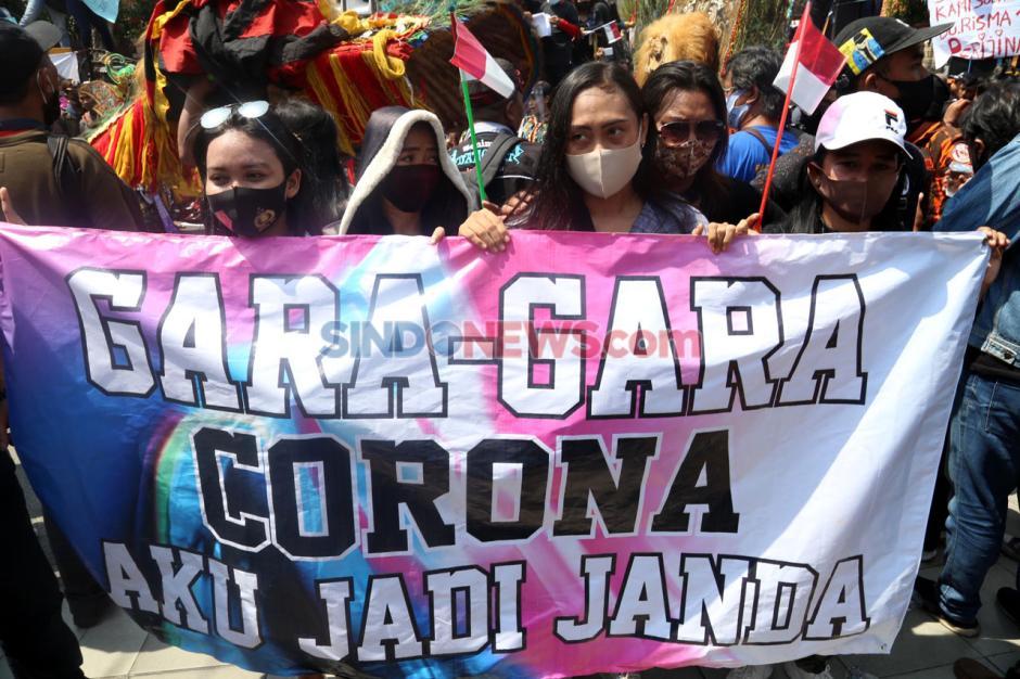 Pekerja Seni dan Hiburan Surabaya Tuntut Perijinan Operasional-1