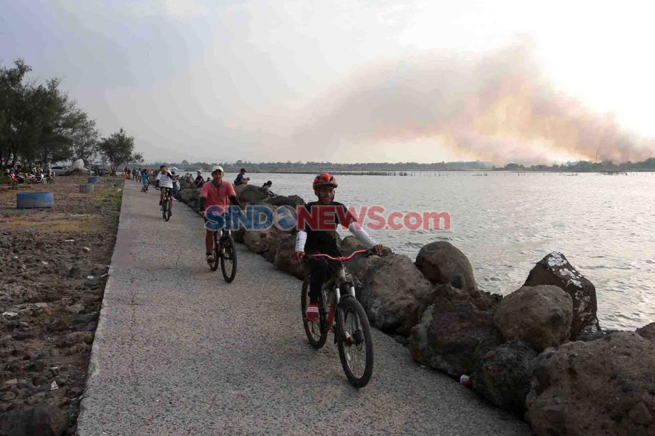 Berburu Eksotisme Senja di Pantai Marina Semarang-2