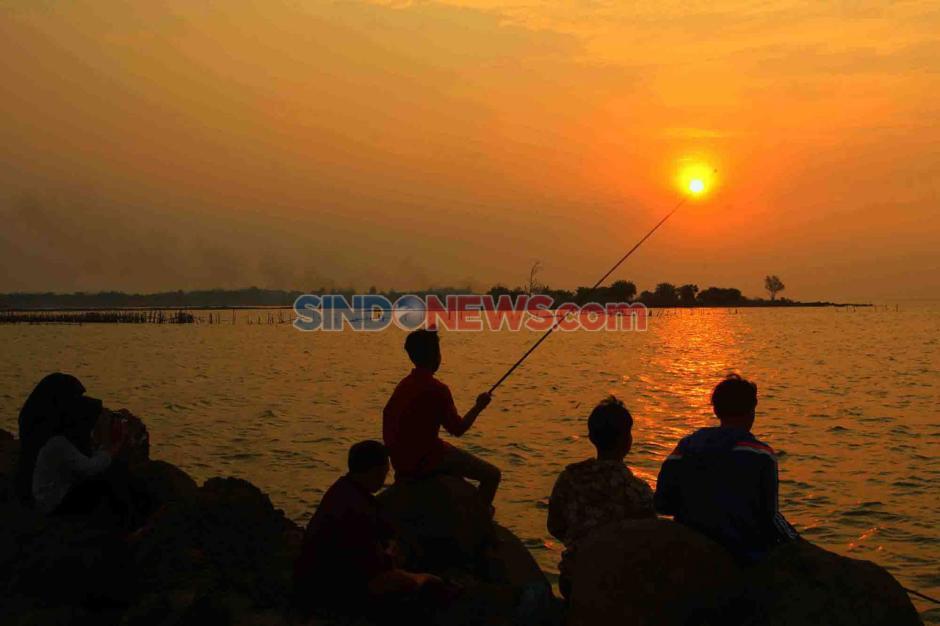 Berburu Eksotisme Senja di Pantai Marina Semarang-4