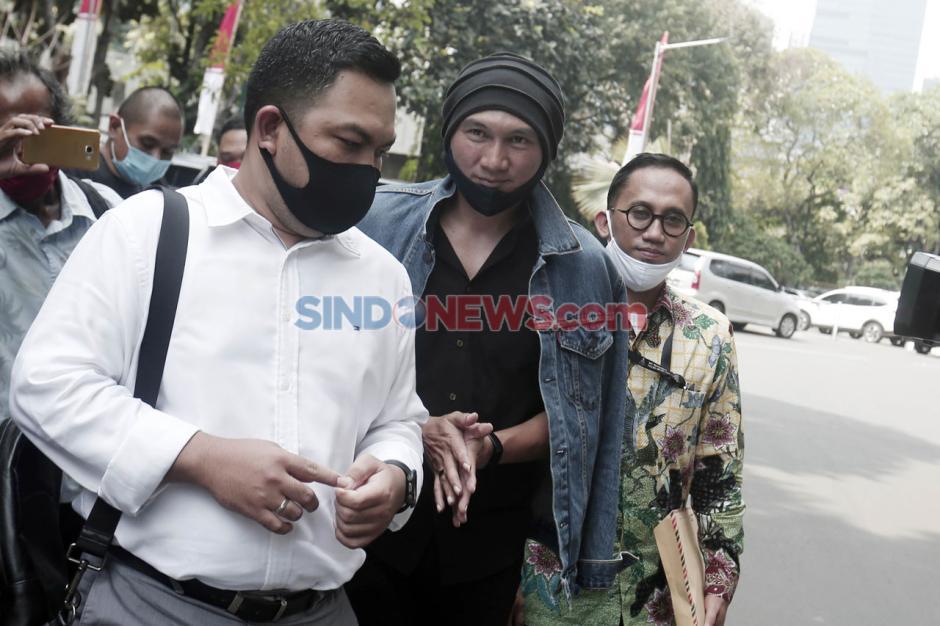 Musisi Anji Jalani Pemeriksaan di Polda Metro Jaya Terkait Dugaan Penyebaran Hoaks-4