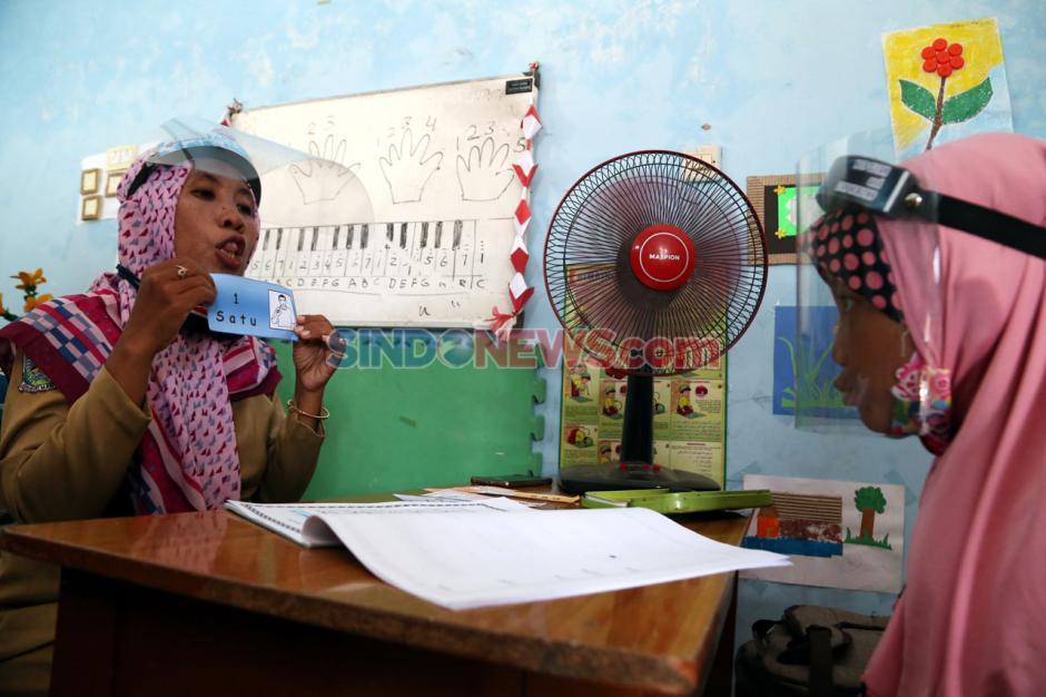 Melihat Pembelajaran Tatap Muka SLB Widya Tama Surabaya-8