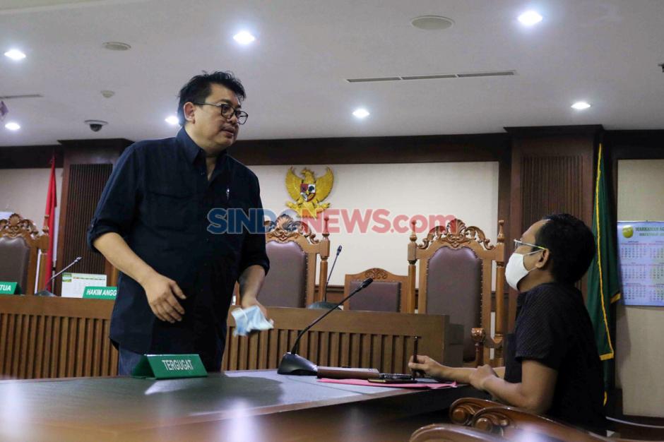 Terpidana Lucas Jalani Sidang PK Kasus Perintangan Penyidikan Perkara Eddy Sindoro-4