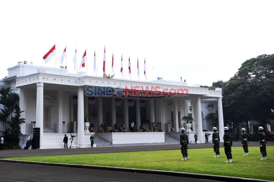 Presiden Jokowi Tinjau Gladi Upacara Peringatan Detik-Detik Proklamasi di Istana-2