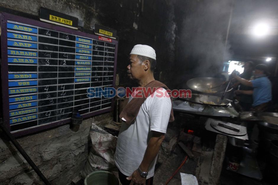 Jatuh Bangun Haji Yaya Pertahankan Usaha Kerupuk Miliknya di Masa Pandemi-3