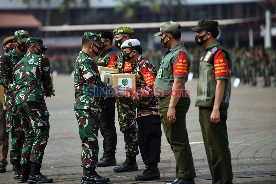 Pangdam Jaya Pimpin Gelar Pasukan Penegakan PSBB Total DKI Jakarta-0