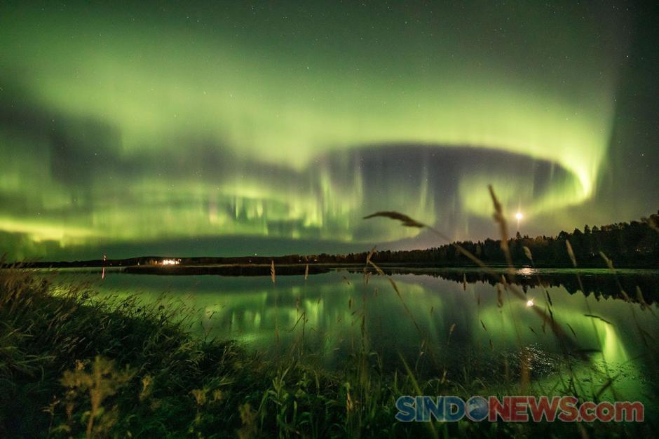 Indahnya Penampakan Fenomena Aurora di Langit Finlandia-0