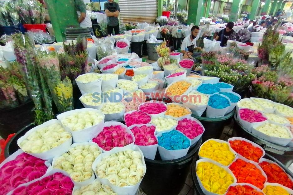 Terdampak Pandemi Corona, Pasar Kembang Rawa Belong Sepi Pengunjung-2