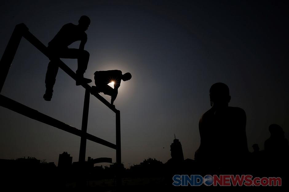 Palestina Gelar Latihan Anggota Polisi Baru di Tengah Pandemi-1