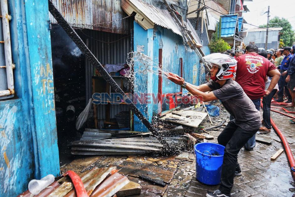 Kebakaran Landa Puluhan Rumah di Makassar-4