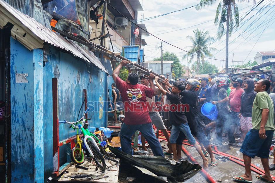 Kebakaran Landa Puluhan Rumah di Makassar-0
