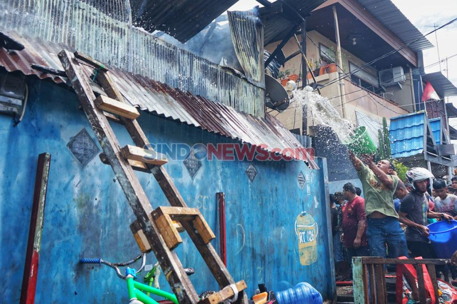 Kebakaran Landa Puluhan Rumah di Makassar-2