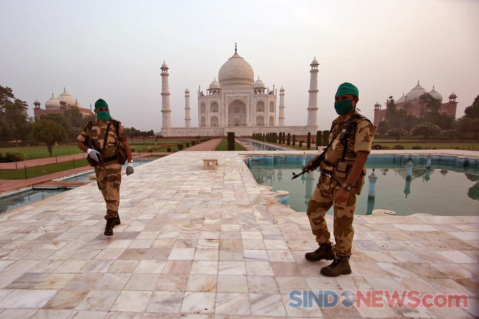 India Kembali Buka Taj Mahal di Tengah Meluasnya Kasus Covid-19-3