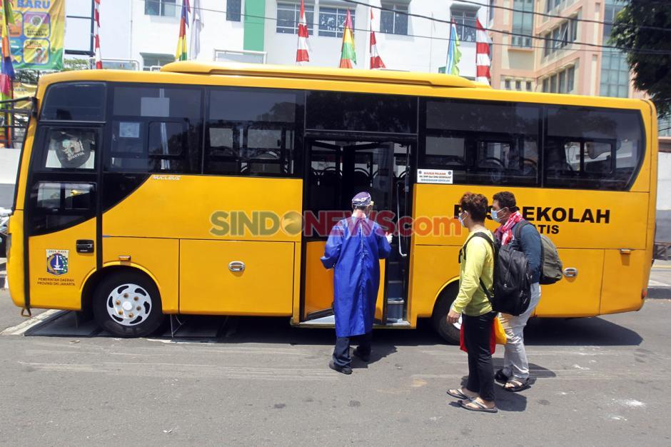 Alih Fungsi Bus Sekolah untuk Evakuasi Pasien Covid-19-12