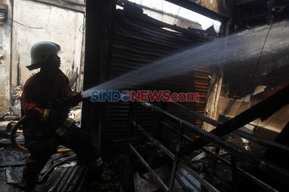 Kebakaran Pasar Cempaka Putih Hanguskan 807 Kios Pedagang-4