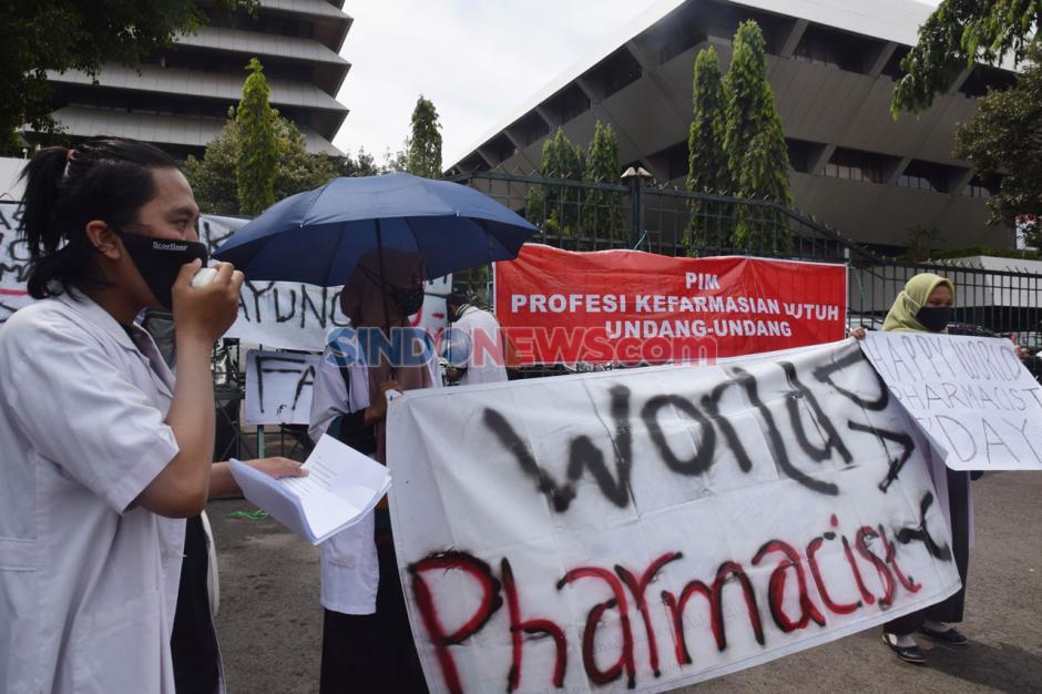 Mahasiswa Semarang Gelar Aksi Peringati Hari Farmasi Sedunia-2