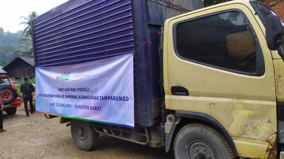 MNC Peduli Salurkan Bantuan ke Korban Banjir dan Longsor di Tamparungo Sijunjung-3