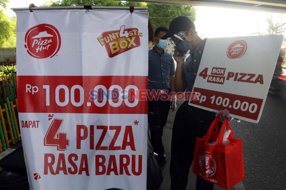 Bertahan di Masa Pandemi, Pizza Hut Jualan di Pinggir Jalan-3