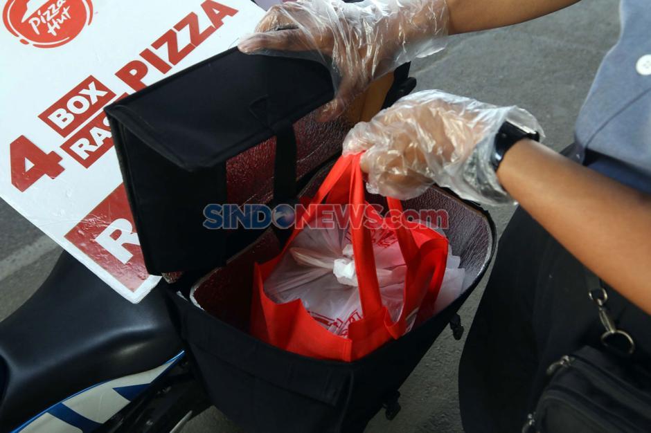 Bertahan di Masa Pandemi, Pizza Hut Jualan di Pinggir Jalan-4