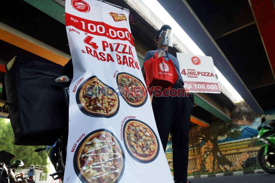 Bertahan di Masa Pandemi, Pizza Hut Jualan di Pinggir Jalan-0