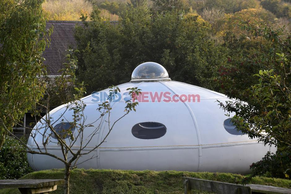 Piring Terbang UFO Mendarat di Perkemahan Apple Inggris-2