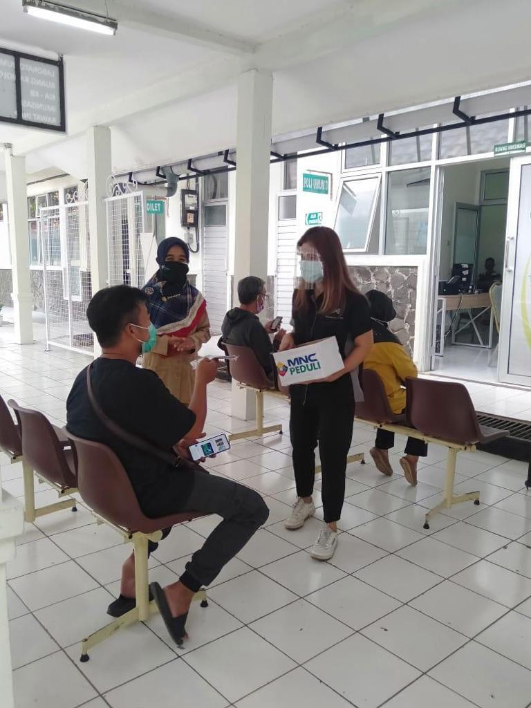 MNC Peduli Salurkan Makan Siang ke Puskesmas Tanah Sereal Bogor-5