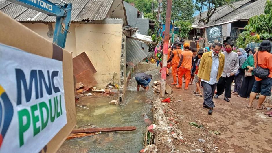 Tanah Longsor di Ciganjur Jakarta Selatan, MNC Peduli Kirim Bantuan untuk Warga Terdampak-0