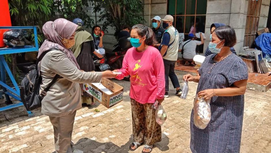 Tanah Longsor di Ciganjur Jakarta Selatan, MNC Peduli Kirim Bantuan untuk Warga Terdampak-2