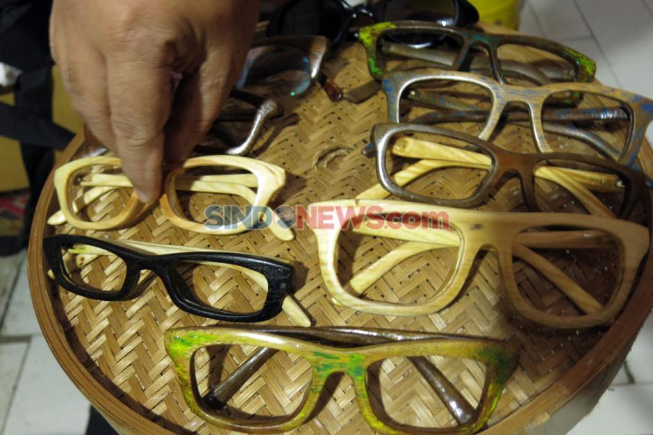 Kacamata dari Limbah Kayu Tembus Pasar Mancanegara-4
