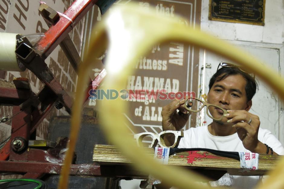 Kacamata dari Limbah Kayu Tembus Pasar Mancanegara-3