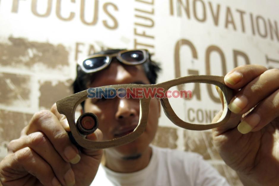 Kacamata dari Limbah Kayu Tembus Pasar Mancanegara-1