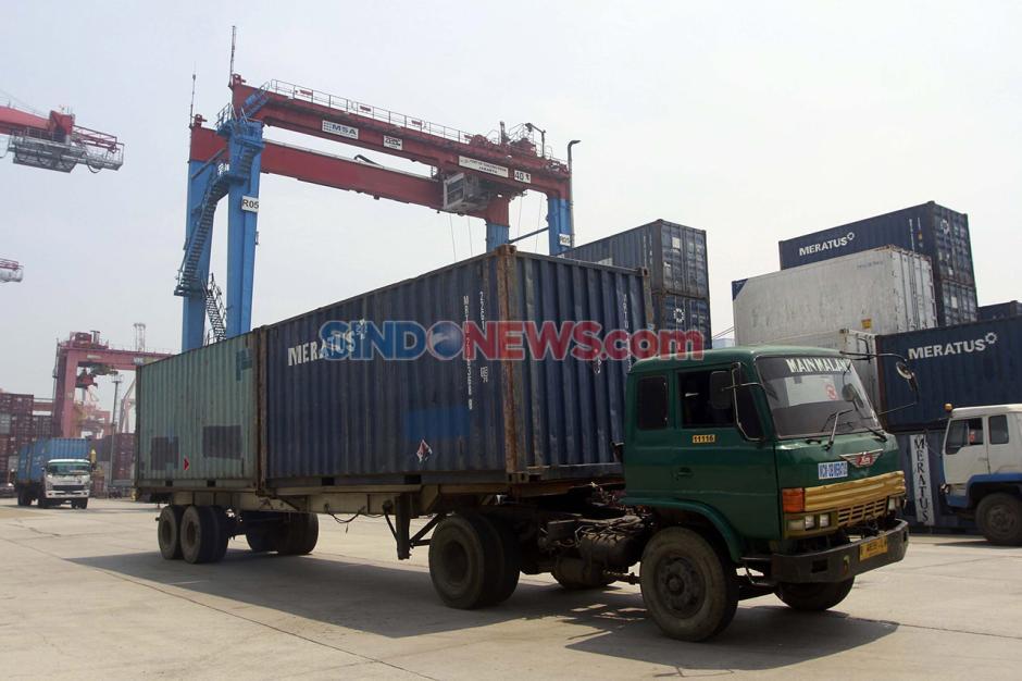 Aktivitas Bongkar Muat di Pelabuhan Tanjung Priok saat Pandemi-1