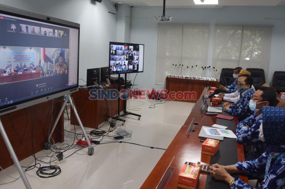 1.260 Orang Tua Maba Silaturahmi Virtual dengan Pimpinan FE Unnes-2